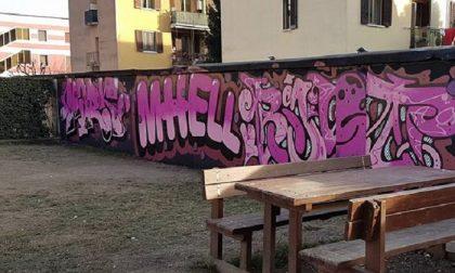 +FOTO+ Treviglio: I writers colorano il parchetto di viale Piave con nuovi graffiti – TreviglioTV