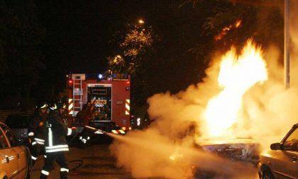 Gera d'Adda - Pandino: Auto in fiamme nella notte, forse d'origine dolosa