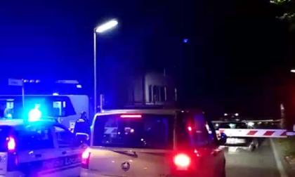 Tragedia sfiorata a Caravaggio : Auto bloccata sui binari, i Carabinieri salvano due 60enni.