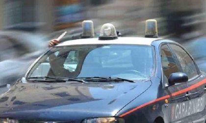 Scappa dalla Polizia locale e tampona i carabinieri