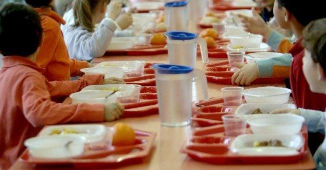 Mensa Lodi: bambini stranieri tornano a mangiare dopo colletta