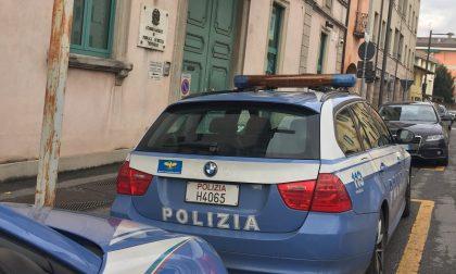 Rubano all'Ipercoop e poi aggrediscono una guardia giurata, arrestati dalla Polizia di Stato