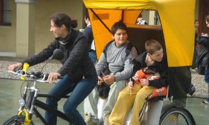 In Gera d'Adda si va a scuola con il risciò, primo caso in Italia