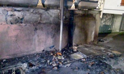 "Fornovo: Rogo divampa in strada. La rabbia sui social ""Poteva scoppiare tutto"" – TreviglioTV"
