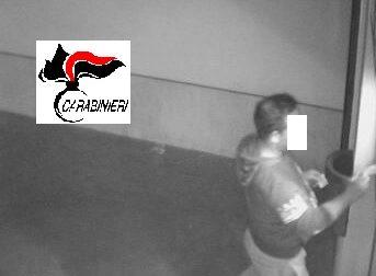 Treviglio: Preleva al bancomat con una carta rubata, denunciato un 36enne – TreviglioTV