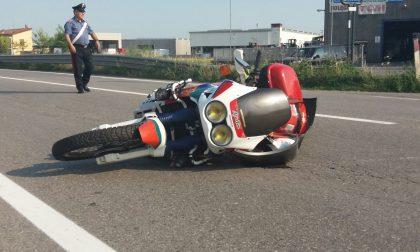 Aggiornamento: Moto tampona un'auto a Mornico