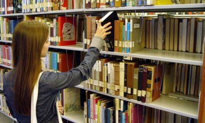 La biblioteca vende libri, librai in rivolta