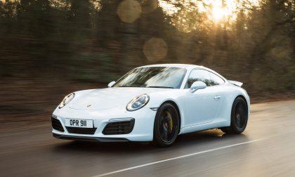 """""""Non pagano la Tari e poi girano col Porsche"""""""