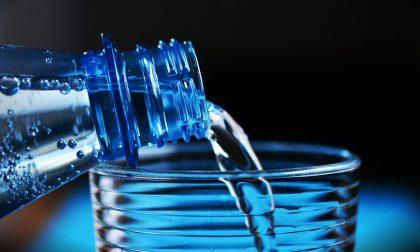 Cassano acqua frizzante gratuita dal fontanile comunale