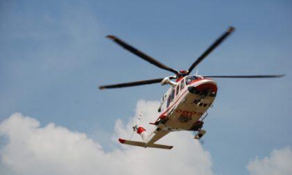 Bambino di 7 anni soccorso dall'elicottero in montagna