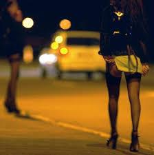 """Covid, trevigliese  viola i divieti e va a Zingonia: """"Cerco una prostituta"""""""