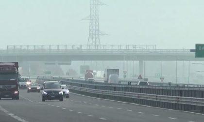 Inquinamento, blocco del traffico da oggi