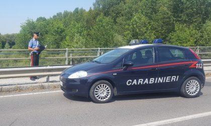Il gioco ha rovinato la sua vita e vuole uccidersi, ma i carabinieri lo salvano