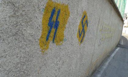 Simboli nazisti sui muri: saranno cancellati domani