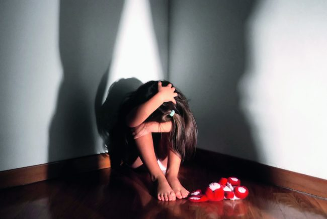 mamma arrestato per il sesso con il figlio
