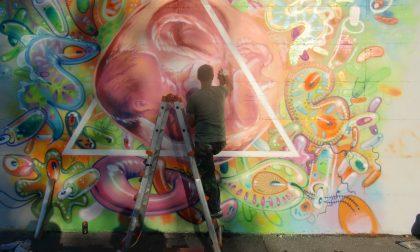Clash Royal: la street art per riqualificare la stazione