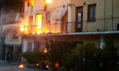 +FLASH+ Brucia una casa a Martinengo, pompieri sul posto FOTO