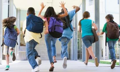 Sorveglianza obbligatoria all'uscita da scuola: i presidi si ribellano