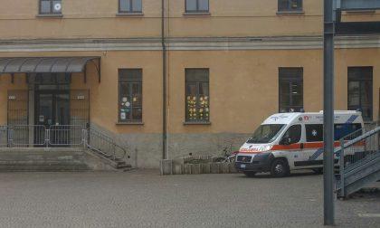 Bimbo ferito a scuola arriva l'ambulanza