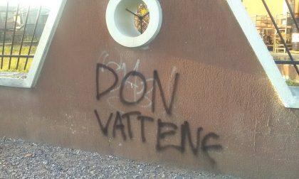 Scritte contro don Lorenzo, sei ragazzi denunciati