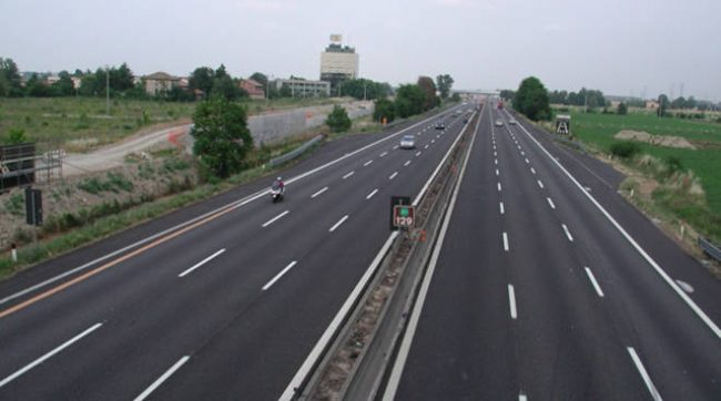 Autostrade, pedaggi: stop agli aumenti. Il governo pensa di usare la manovra