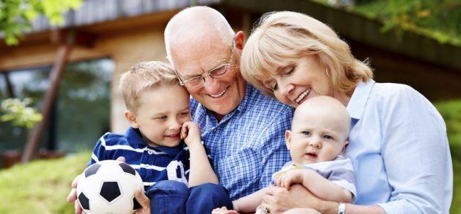 Una &#8220&#x3B;valanga&#8221&#x3B; di foto per fare gli auguri ai vostri nonni: partecipa anche tu