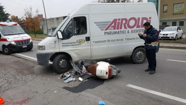 Romano scooter travolto da furgone via Balilla