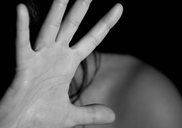 Violenza domestica 40enne allontanato da casa a Romano