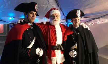 Carabinieri in alta uniforme... come nella fiaba di Pinocchio