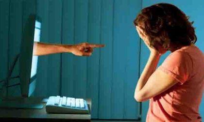 """I """"Cuori connessi"""" dei ragazzi in rete per riflettere sul cyberbullismo"""