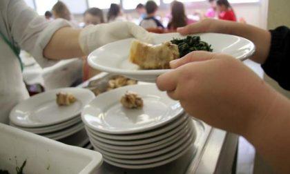 Cambio menù alla mensa scolastica ma per qualcuno è troppo vegetariano