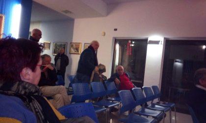 Saluto fascista in aula per sbeffeggiare un consigliere e il sindaco caccia un cittadino
