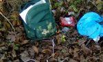 Zaino rubato ritrovato tra i rifiuti in una roggia FOTO