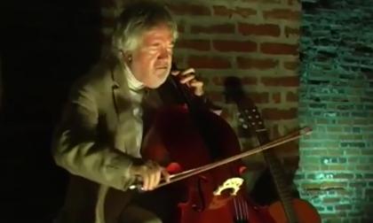 Marco Ravasio un violoncellista decisamente rock