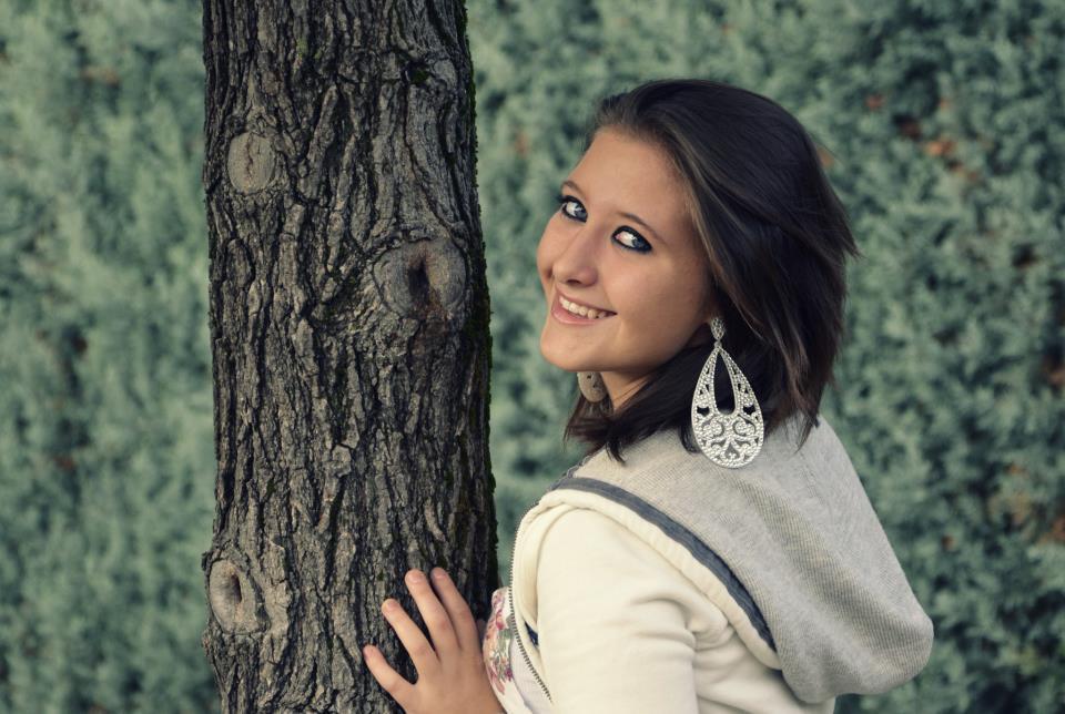 Ragazza muore uccisa da un colpo della pistola del fidanzato Video