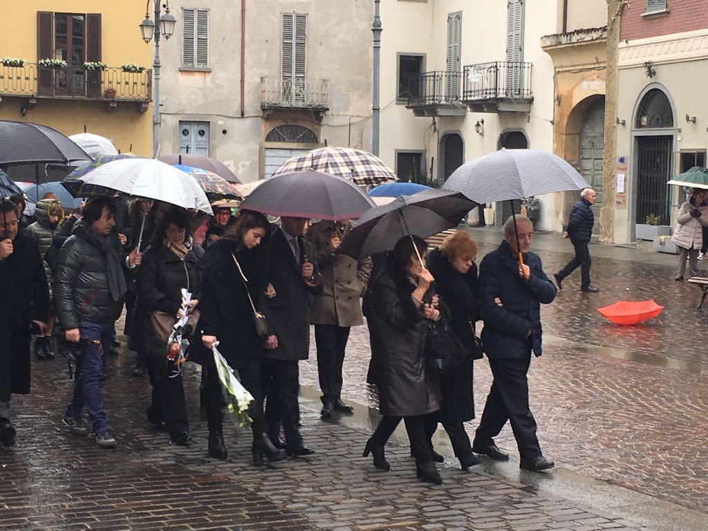 Caravaggio funerale Pierangela Tadini vittima treno deragliato a Pioltello
