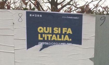 Strappati manifesti elettorali di Fratelli d'Italia