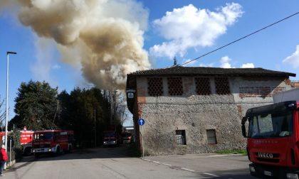 """Incendio Rivolta, fiamme al ristorante """"I Santi"""" FOTO VIDEO"""