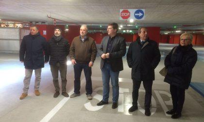Piazza Setti, il nuovo parcheggio tra stalli rosa e auto elettriche FOTO