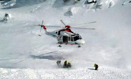 Valanga in Val Brembana: tre scialpinisti travolti, uno è grave