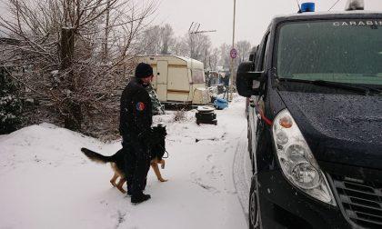 Blitz al campo nomadi sotto la neve