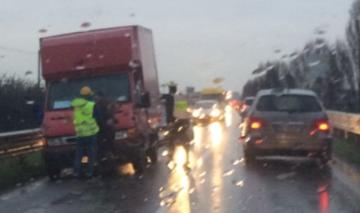 Camion fermo sulla cremasca traffico in tilt