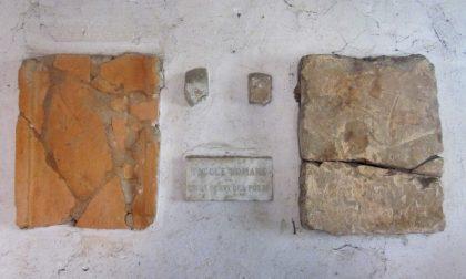 Tegole romane ritrovate nella casetta del pozzo