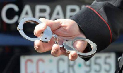 Investe due carabinieri dopo l'inseguimento. Arrestato