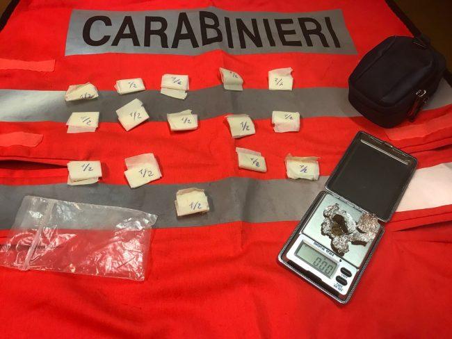 In moto con la cocaina da spacciare, pusher 22enne arrestato al Libertà