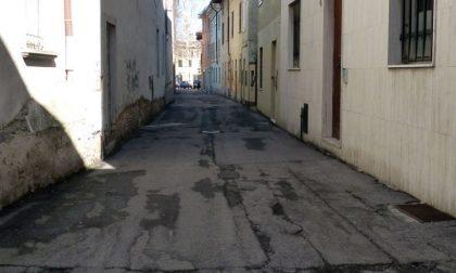 Nuova pavimentazione in porfido nel centro storico di Crema