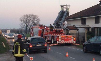Romano brucia camino, traffico in tilt sulla Sp101 FOTO