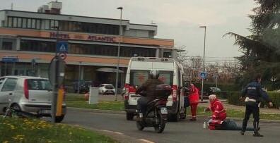 """Ciclista investito sulla rotonda """"del trattore"""""""
