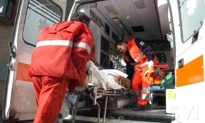 Incidente tra un'auto e una moto a Levate, ferito 41enne
