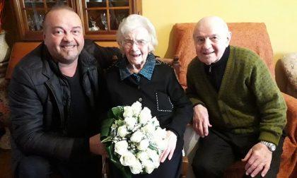 I 99 anni di Maria Maddalena Fratus, che festeggia con due bicchieri di rosso